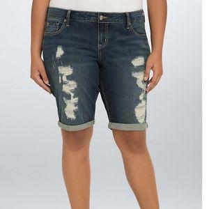 Torrid boyfriend Bermuda shorts size 16
